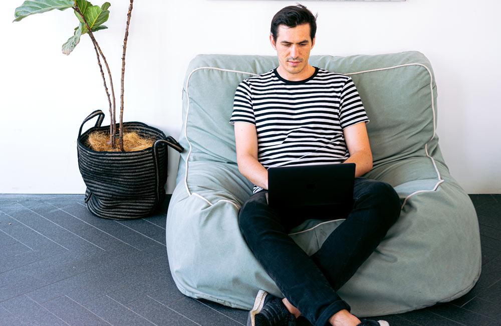 online geld verdienen uit luie stoel